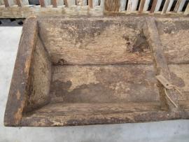 Antieke houten zaaibak, Super geleefd