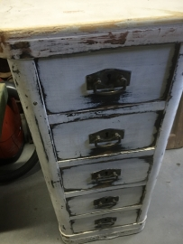 Brocant kastje met 5 lades
