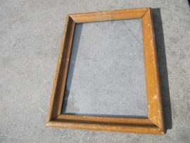 Oude eikenhouten lijst inclusief glas