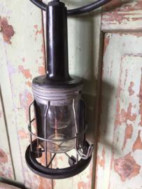 Oude looplamp met bakelite handvat