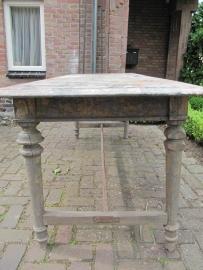 Antieke tafel met zinken top