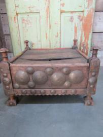 Antiek klein bijzet tafeltje