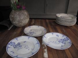 Ontbijtbord Maatrichts aardewerk serie Nemone set van 3 stuks