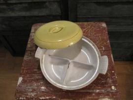 Brocante gietijzeren gele grote vakverdeelschaal