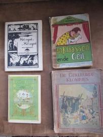 Vier oude kinderboekjes