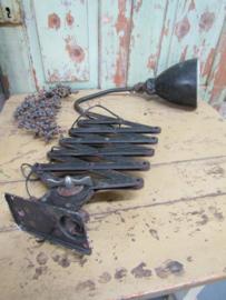 Oude industriële schaarlamp AGI