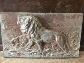 Antieke plaquette met leeuw