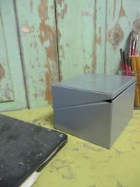 Metalen kaartenbak