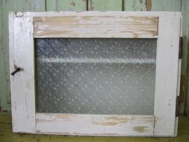 Brocant kastje met bewerkt glas