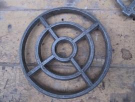 Oud aluminium treefje van 17,5 cm.