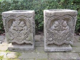 Leuke oude vierkante stenen tuinvaas / ornament set van 2