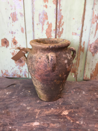 Oude terracotta pot