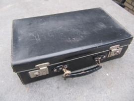 Super leuk brocante zwart koffertje