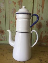 Brocante grote koffiepot met filter
