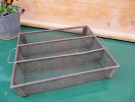 Frans brocante metalen bestekbakje van gaas met 3 vakken