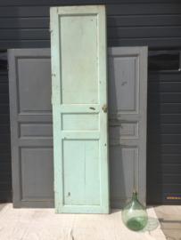 Antieke hoge houten deur