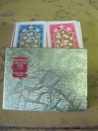 Oud doosje met kaarten