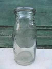 Antiek melkflesje van 2 dl
