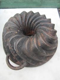 Antieke gietijzeren tulband vorm