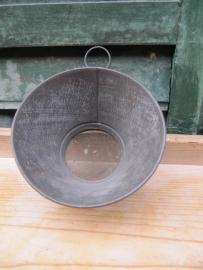 Metalen zeefje met ophangoog