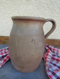 Oude Franse aardewerk kan