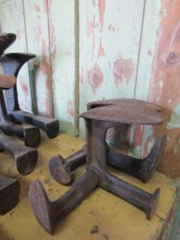 Oude gietijzeren schoenmakersleest