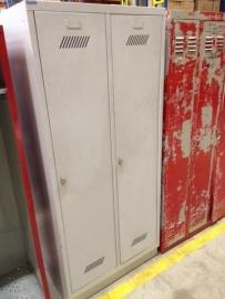 Oude lockerkast 2 deurs