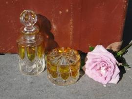 Heel mooi brocante glazen setje voor op kaptafel