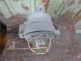 Industriële wand of plafondlamp