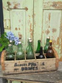 Mooi oude houten Franse krat met 10 flessen