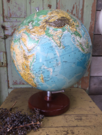 Vintage globe with reliëf
