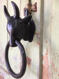 Brocant metalen deurklopper stier
