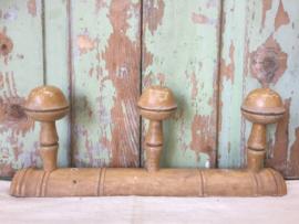 Oud Frans houten kapstokje