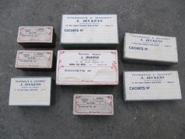 8 stuks oude ongebruikte Franse medicijndoosjes