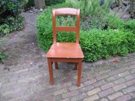 Hervé brocante rood/bruine houten stoel