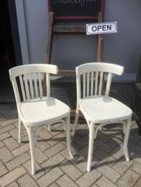 Set oude café stoelen
