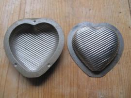 Set van 2 hartjes mallen