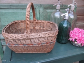 French brocante basket with handle