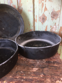 Set van 3 antieke ronde bakvormen