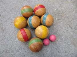 Oude houten Petanque ballen