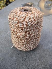 Oude brocante houten klos met wol