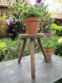 Brocante houten driepoots krukje