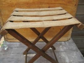 Brocante houten klapstoeltje