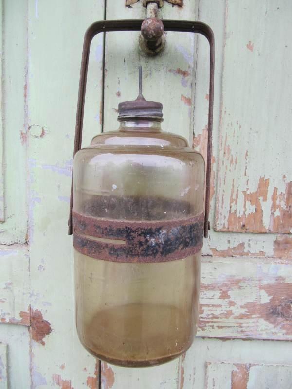 Oude petroleum fles