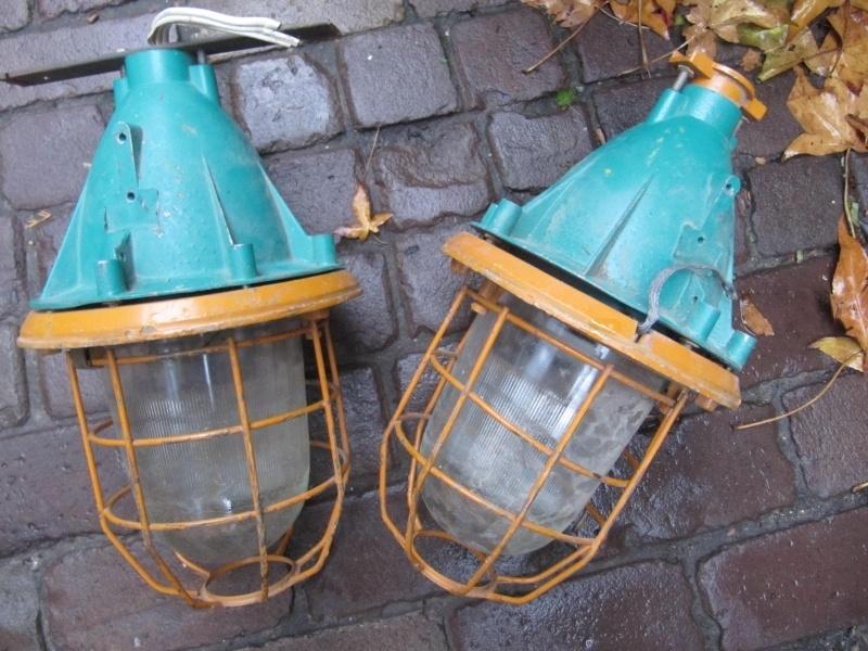Oude industriële kooilamp