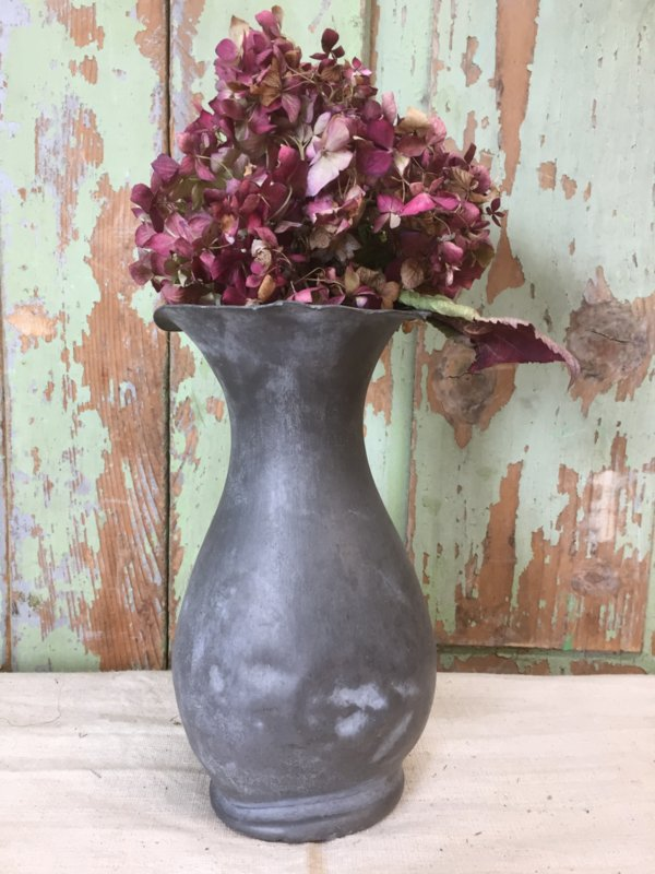 Antieke tinnen vaas