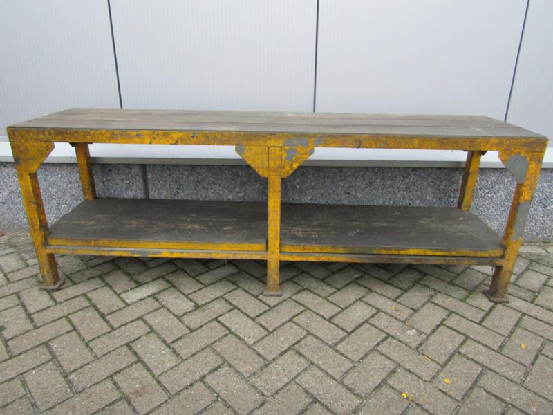 Side Table Oude Werkbank.Oude Industriele Werkbank Tafel Recent Verkocht Sold