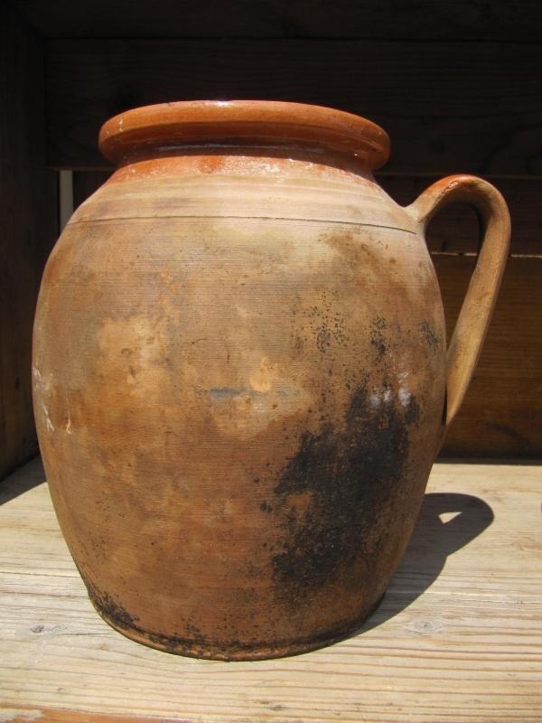 Oude Hongaarse aardewerk pot 22 cm hoog.