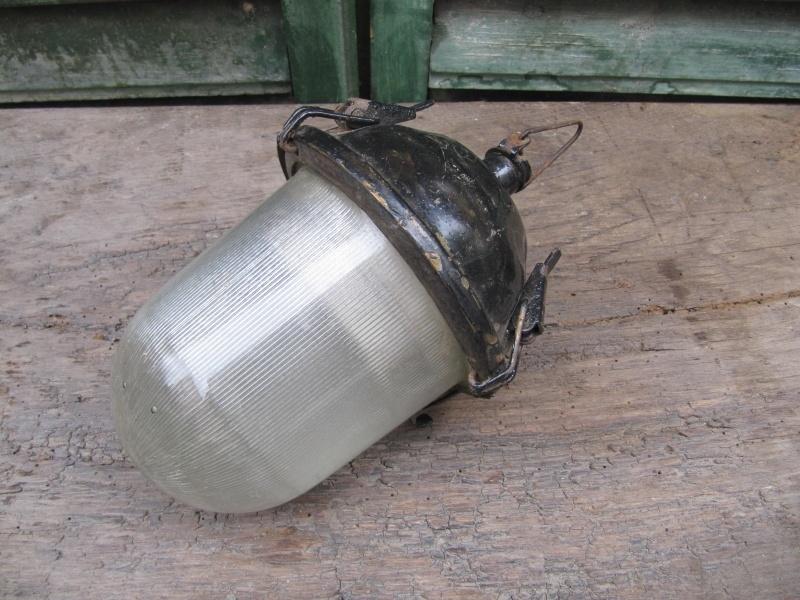 Leuke oud industrieel lampje