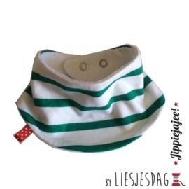 Slabber, bandana bib, zeverslab By Liesjesdag, streepjes groen